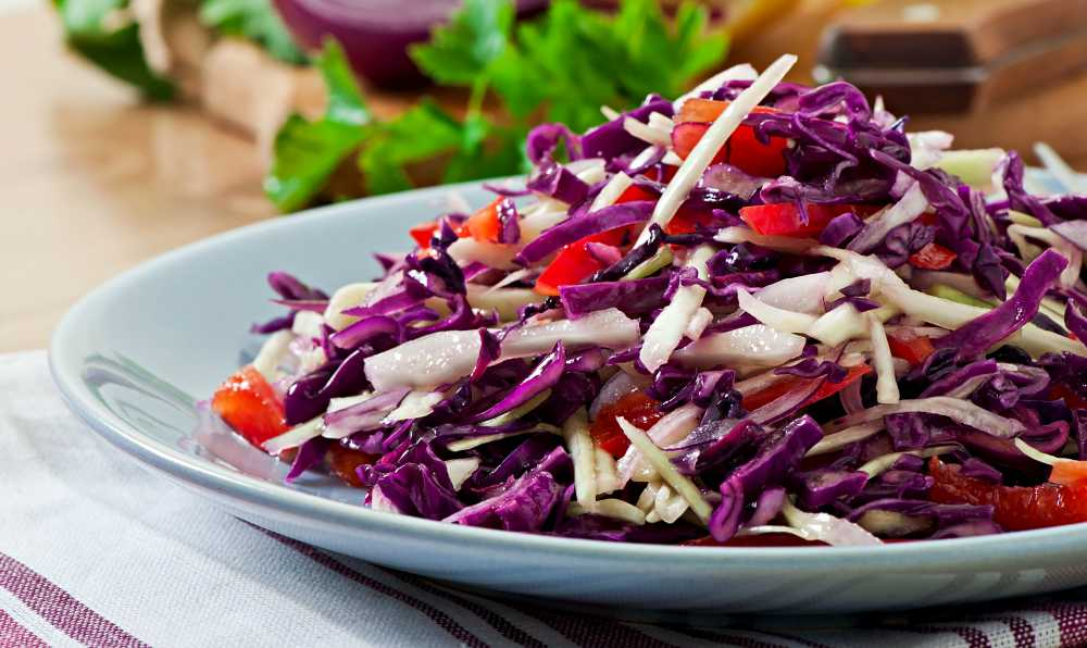 kirmizi lahana salatasi